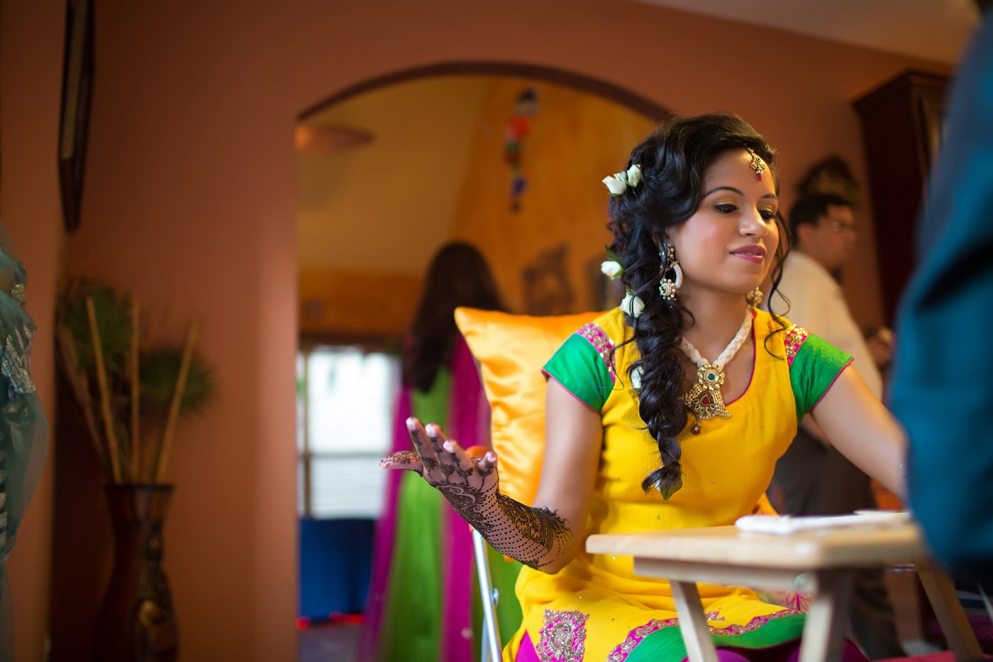 hindu mehndi wedding photos