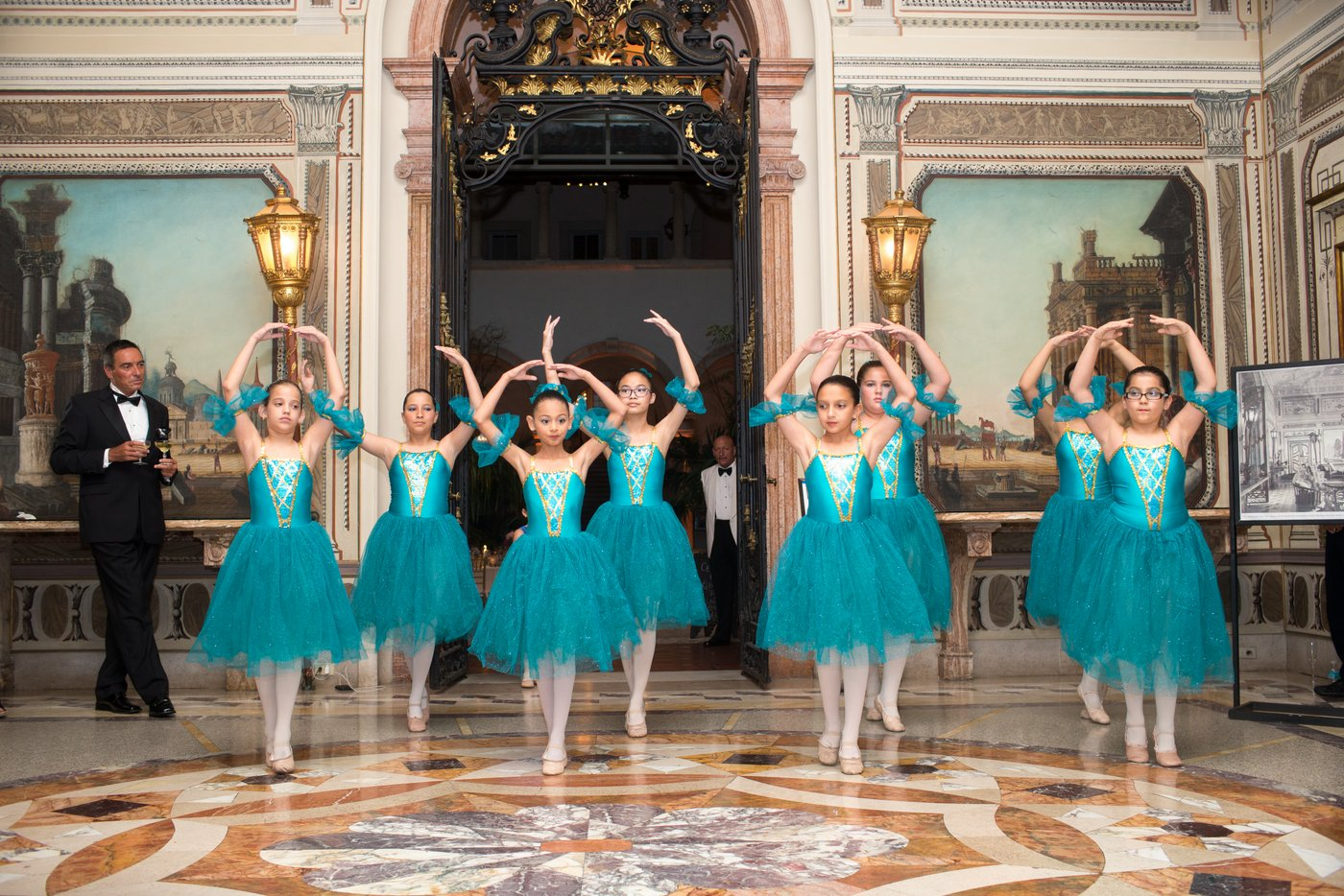 adorable ballet dancers at Vizcaya
