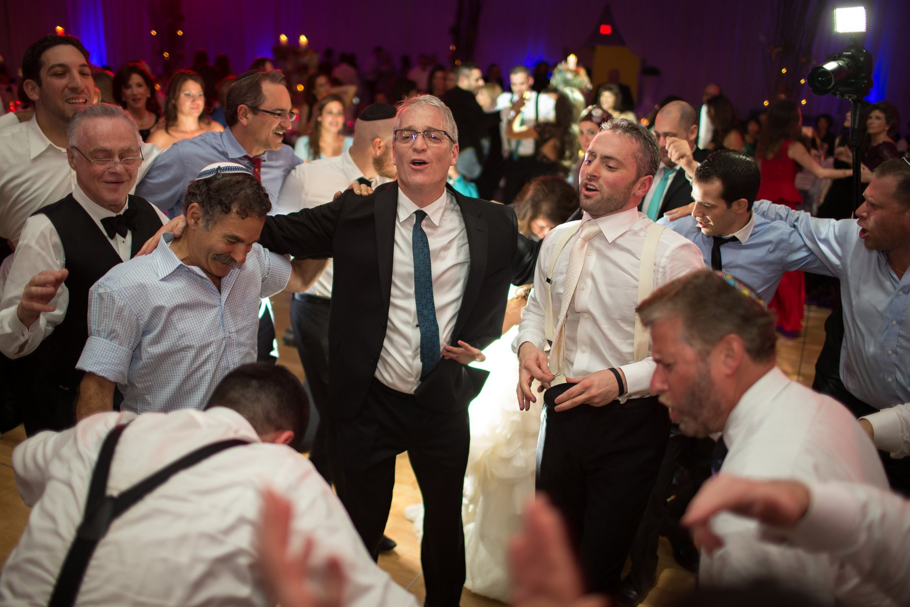 ortodox jewish wedding dancing