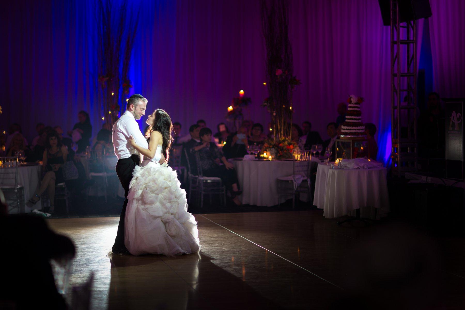 ortodox jewish wedding first dance