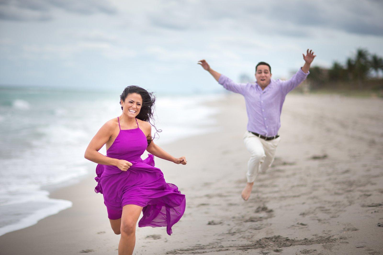 hilarious maimi beach enagement photos