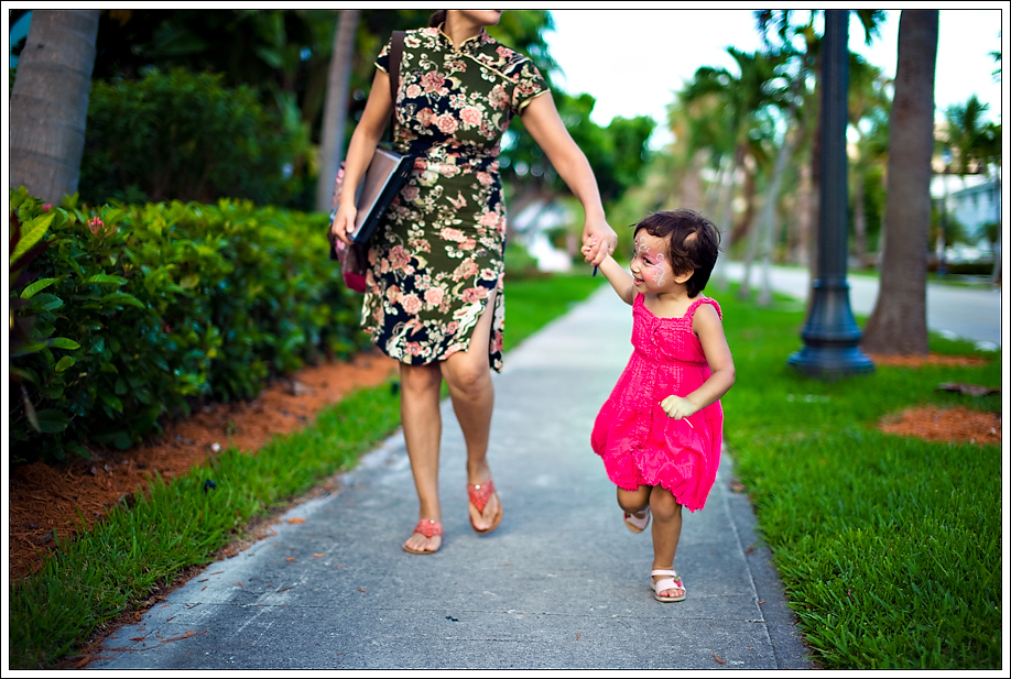 Face Painting – Ritz Carlton, Key Biscayne, Miami Wedding Photographers | Häring Photography, Indian Wedding Photographer in Florida, Best Muslim, Hindu - South East Asian Wedding Photographers